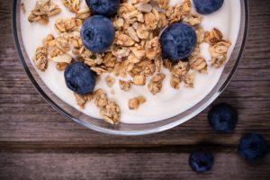 Yogurt with berries image